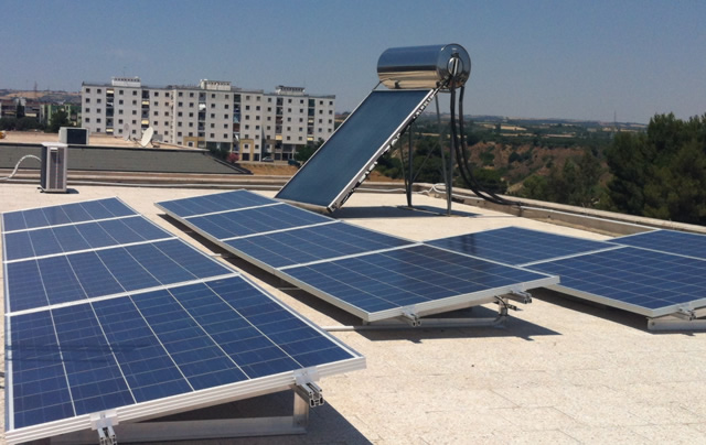 Pannello Solare Integrato Qgis : Montaggio impianto fotovoltaico da kwp a roma un esempio